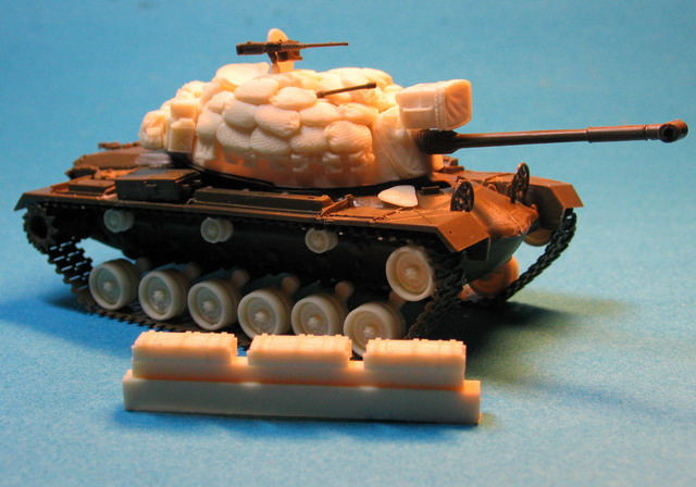 M48A1/A2 Vietnam sand-bags protection